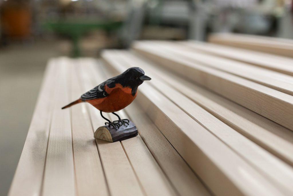 Hangbird mit gehobelten Latten